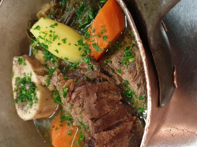 Auberge Pyrénées Cévennes Pot au Feu au Bœuf de l'Aubrac