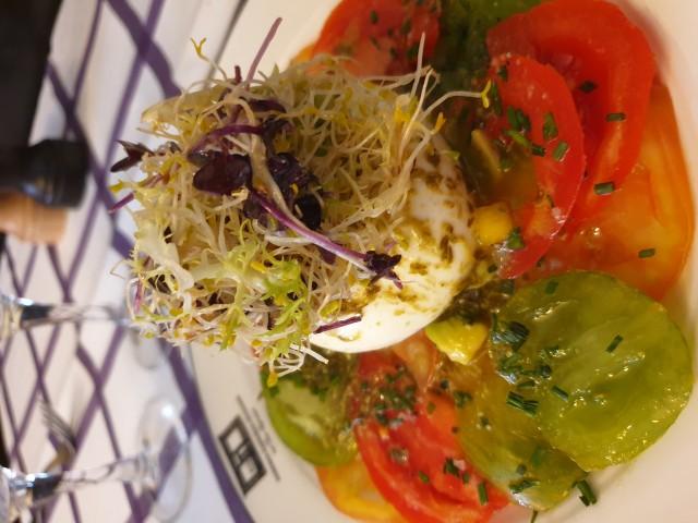 Auberge Pyrénées Cévennes Tomates Anciennes -  Burratina des Pouilles